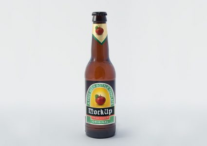 Мокап бутылки пива