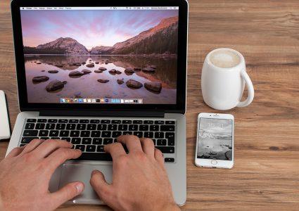 Мокап ноутбука и телефона