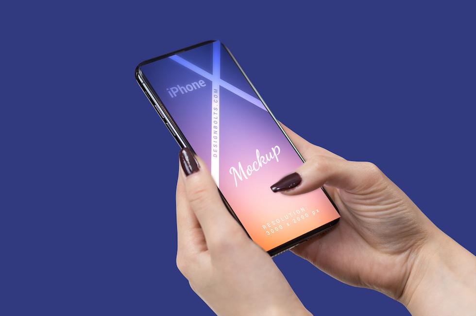 Мокап женская рука с iPhone X